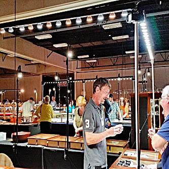 Easy to use trade show light kits